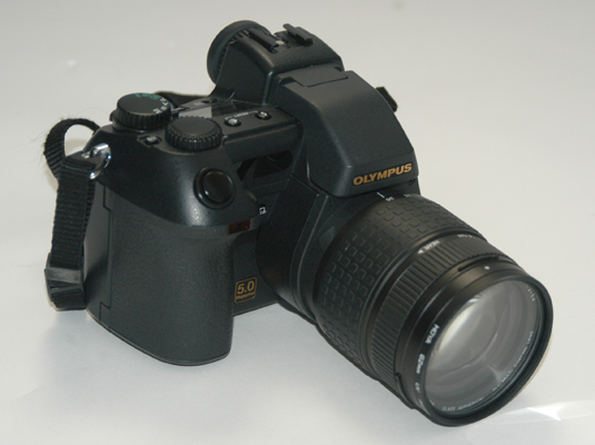 A prosumer digital camera.