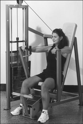A vertical chest press weight machine. [Credit: Photograph by Sunstreak Productions, Inc.]