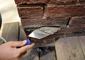 How to Repoint a Brick Wall