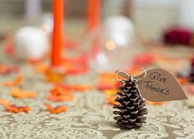 10 Budget Ideas for Thanksgiving Decorating